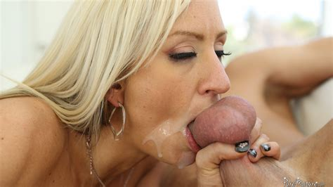 blondes with deep throats jpg 1500x844