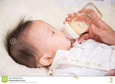 Bottle feeding with breast milk jpg 1300x958